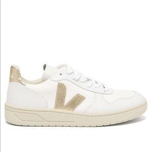 Veja V-10 B Mesh Low Top Metallic Low Top Sneaker